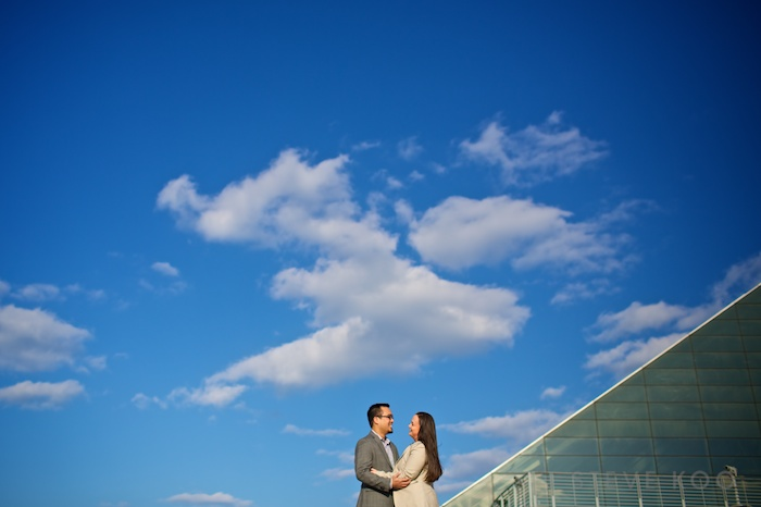 chicago-planetarium-engagement-photo