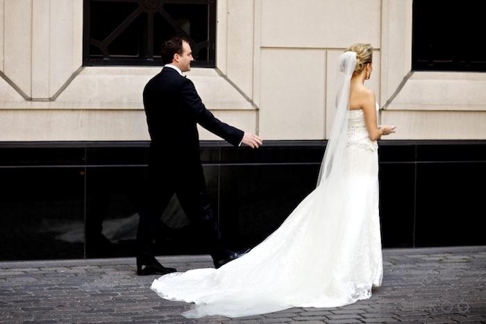 waldorf-astoria-courtyard-wedding