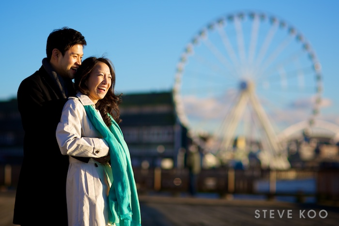 seattle-engagement-photo-ferris-wheel