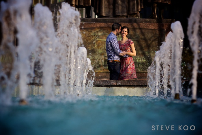 water-chicago-engagement-photos
