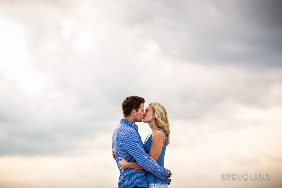chicago-skyline-engagement-04