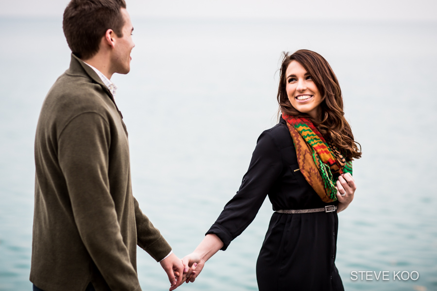 lakefront-engagement-photos