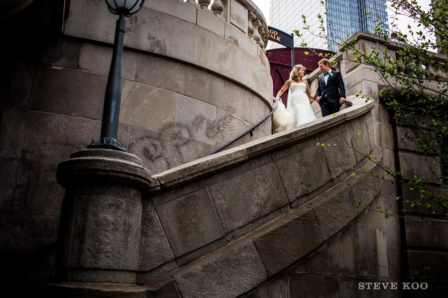 chicago-riverwalk-wedding-photo