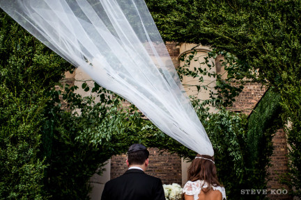 blowing-veil-wedding