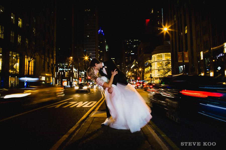 michigan-ave-night-wedding-photo
