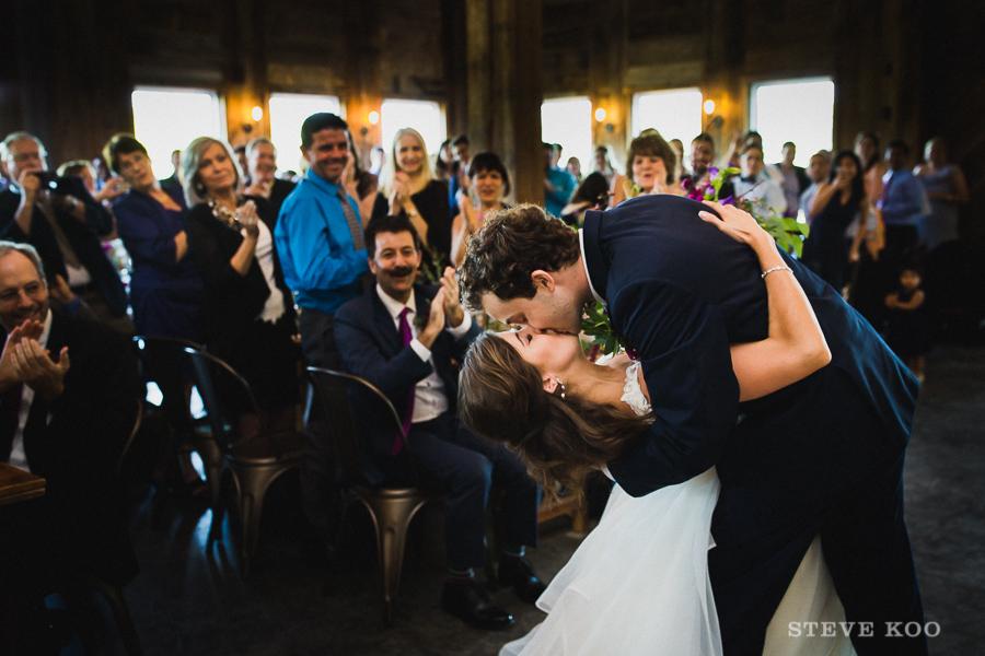 barn-wedding-chicago-photos