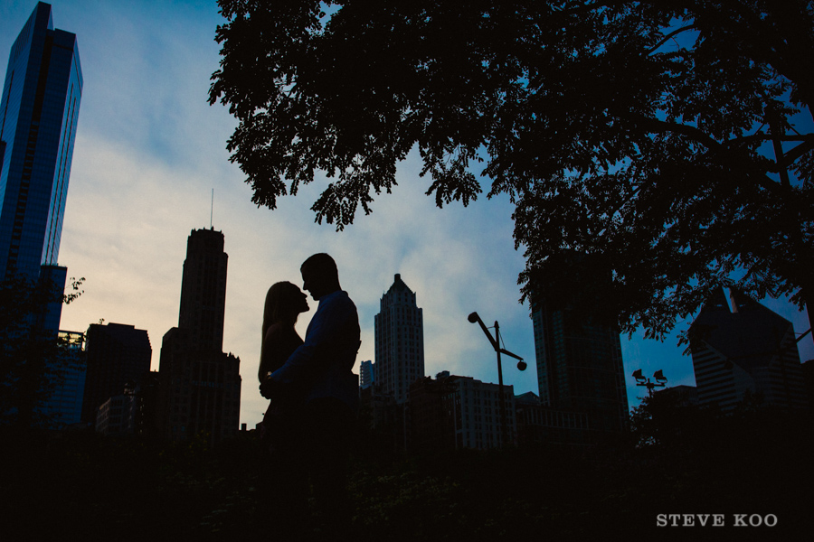 millennium-park-engagement-photo-07